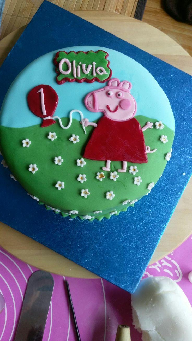 Peppa pig 1st birthday cake
