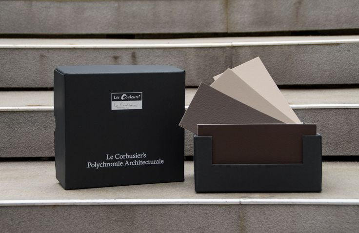 The 63 architectural colours of Le Corbusier's Architectural Polychromy  are painted in intensive manual labour with real wall paint on robust cardboard and packaged in a sturdy slip lid box