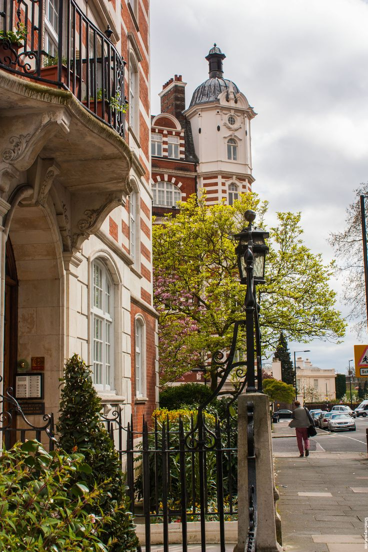St. John's Wood ,London - One of my favourite areas of London. Walked around the area on my quest to find Abbey Road!