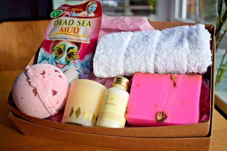 Give the gift of 'me time' over the festive season; our limited edition gift set is the perfect gift for mums, partners, friends and colleagues. RELAXING BATH TREAT BOX - ALL YOU NEED FOR SPA EXPERIENCE AT HOME - SECRET SANTA - LAST MINUTE GIFTS! | eBay!