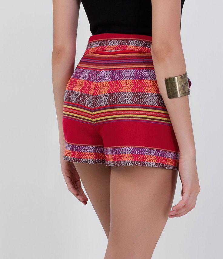 Short feminino  Modelo cintura alta  Tecido peruano  Com forro  Marca: Blue Steel  Composição: 100% algodão  Composição do forro: 100% poliéster  Modelo veste tamanho: P         COLEÇÃO VERÃO 2016         Veja outras opções de    shorts femininos.