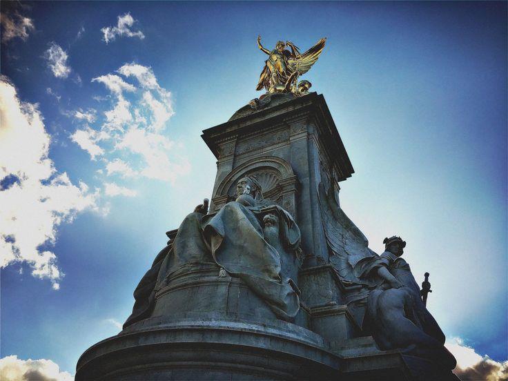 Queen Victoria Memorial, Buckingham Palace, London