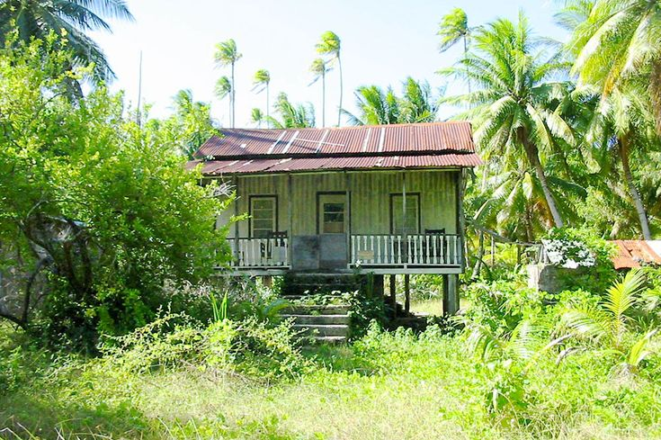10 best anciennes maisons images on pinterest tahiti nord est and nostalgia. Black Bedroom Furniture Sets. Home Design Ideas
