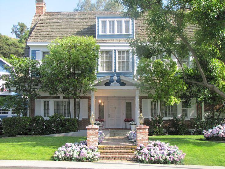 les 79 meilleures images du tableau wisteria lane sur. Black Bedroom Furniture Sets. Home Design Ideas