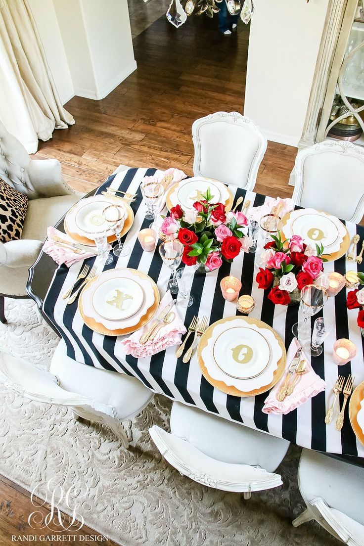 Chic Galentine's Day Table for Valentine's Day - how to set a girly Valentine's Day table for your girlfriends with roses pink and gold
