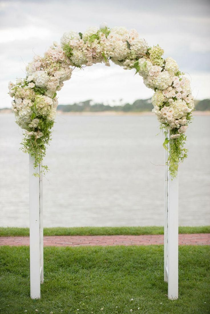 Cool 70+ Beautiful Floral Wedding Altar Ideas https://weddmagz.com/70-beautiful-floral-wedding-altar-ideas/
