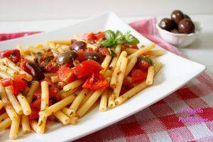Cataneselle alle olive e pomodorini