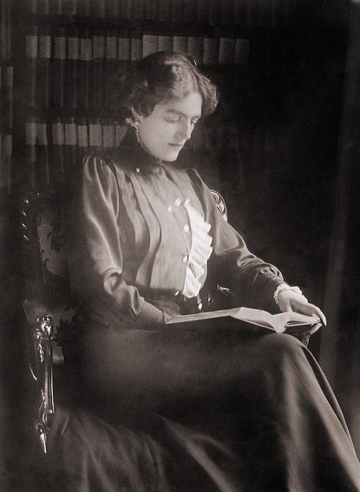Clementine Churchill (1885-1977), wife of British politician Winston Churchill, reading a book. Ca. 1910