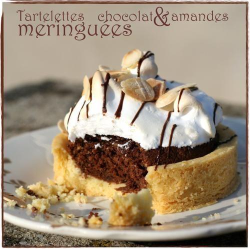 J'ai un fantasme culinaire ... Celui des tartes ou des tartelettes d'ailleurs, avec un bord droit, lisse et magnifique ! Je trouve que ça fait vraiment pro, net et joli ! J'avais donc ces petits moules à tartelettes depuis un moment mais pas encore eu...