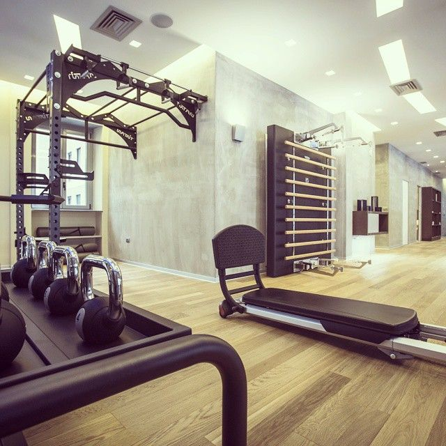 "Pure Wellness, the ""Personal Training Studio"" in the heart of Milan will change your idea of Wellness forever. #wellness #design #gym #personaltraining #kinesispersonal #strengthtraining #functionaltraining #purewellness"