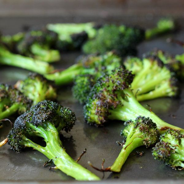 The Best Broccoli by rachelcooks: Once you learn how to roast broccoli, you'll never go back to any other method. Easy and by far the best broccoli you'll ever taste. #Broccoli