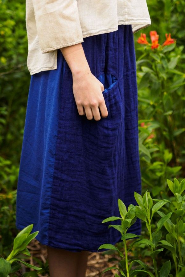 Issue #2 - D-due LAB: Yellow Mountain | Ink blue skirt with two fabrics: linen on the front, cotton on the back. #dduelab #skirt #cotton #linen