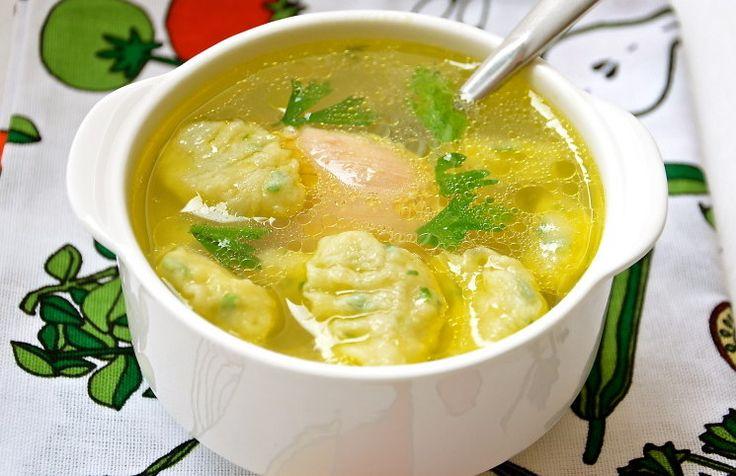 Сытный куриный суп с воздушными клёцками, рецепт