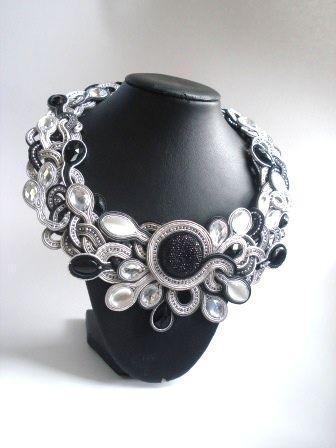 Black&White necklace