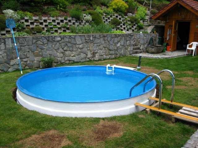 Kleinergarten 15 Pool Halb Eingela In 2020 Outdoor Decor Pool Garten