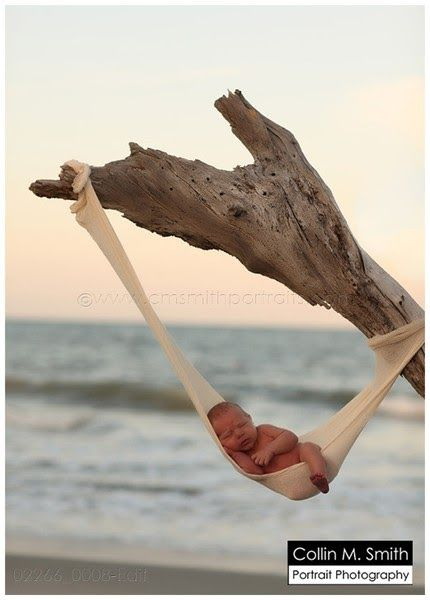 Newborn pictures on the beach  um this pic is so cute, but my heart skipped a beat, dangerous....