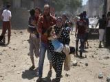 Democracy Now!---停戦交渉が停滞する中、イスラエルのガザ攻撃は激しさを増しています。すでにパレスチナ人の死者は1100人を超え、イスラエル兵も53人が死亡しています。意図的に一般市民を攻撃するイスラエルの戦争犯罪については、2008年末から2009年はじめにかけてオバマ就任直前に行われた前回のガザ侵攻のときと同じですから、とくに新しい字幕はつけていません。今回の侵攻に関しては、いまなぜ攻撃が繰り返されているのか、停戦のためには何が必要かという点にしぼって、簡潔にとりあげました。イスラエルのハイファから、歴史学者のイラン・パペへの短いインタビューをご覧ください。