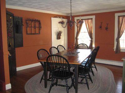 country prim dining rooms | Primitive Dining Room with pumpkin colored walls and a dining table ...