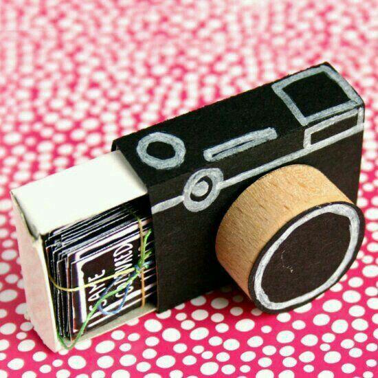 Máquina fotográfica de caixa de fósforo