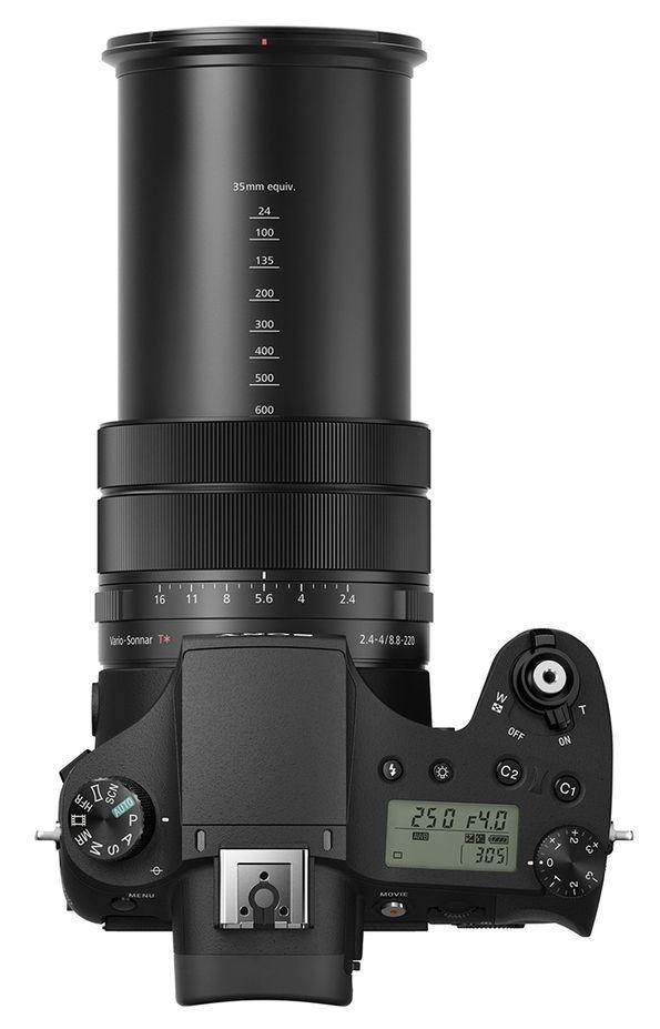 Sony RX10 III : zoom 24-600 mm, 4k et joints d'étanchéité
