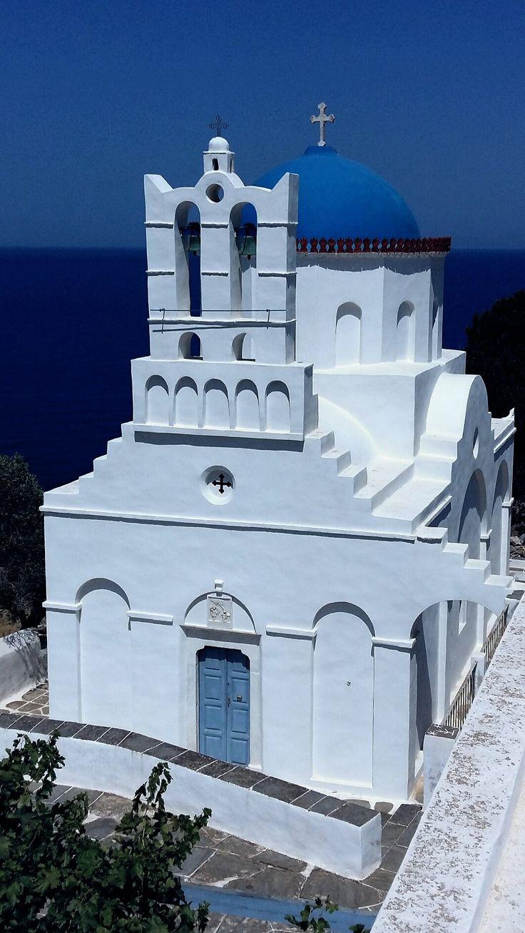 • Εκκλησάκι της Παναγίας της Πουλάτης, Σίφνος, Κυκλάδες, Αιγαίο, Ελλάδα • Chapel of Panagia Poulati, Sifnos Island, Cyclades, Aegean sea, Hellas ( Greece )