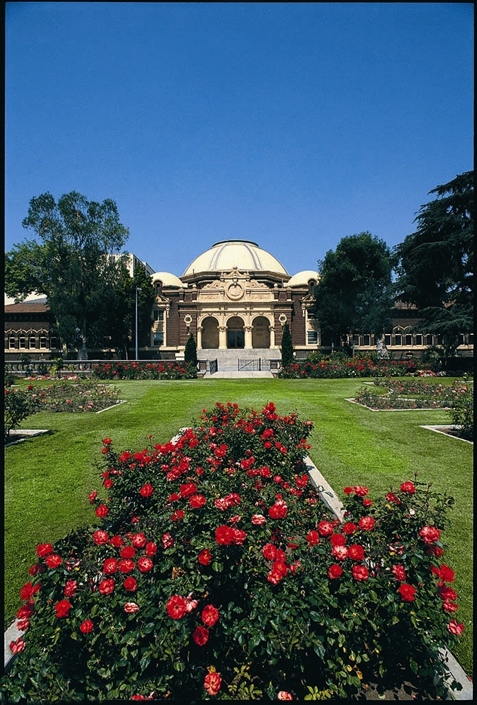 Los Angeles Museum Of Natural History Rose Garden