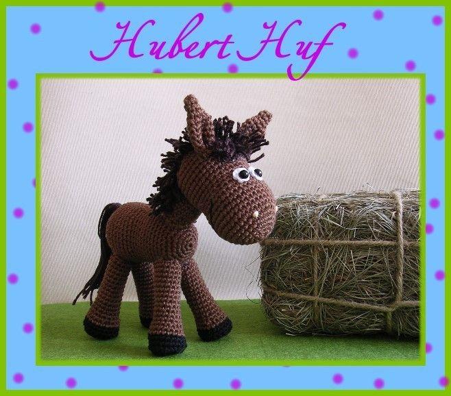 """Mit dieser reich bebilderten Anleitung ist es ganz einfach, ein Pferd """"Hubert Huf"""" selber zu häkeln. Kenntnisse in Maschenzu-, bzw. abnahme und feste"""