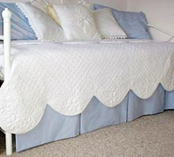 no-sew daybed skirt ::to hide my under-bed storage :)