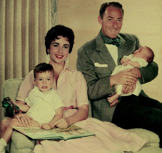 Between 1952-57, Taylor was married to British actor Michael Wilding, which whom she had two sons: Michael and Christopher. circa1955