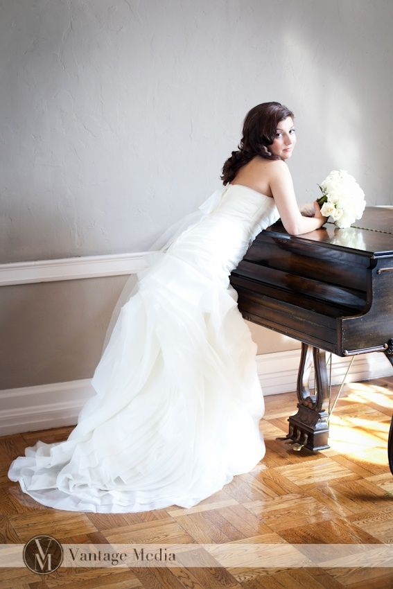 Wedding props are not complete without a piano! #photoshoot #bride