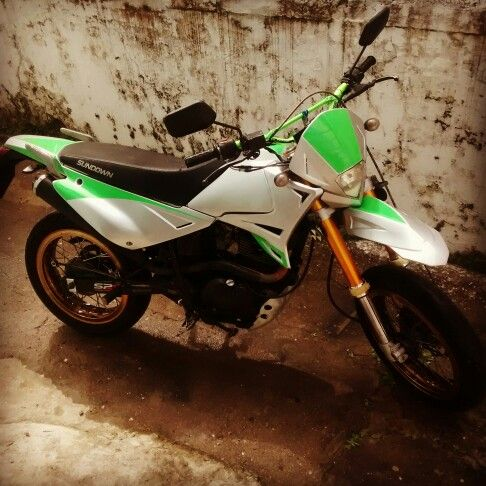 Supermoto sundown stx 200, personalizada.