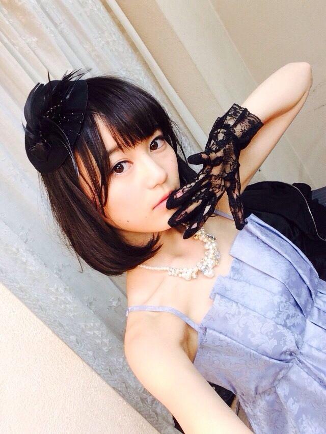 i4:  Ikuta Erika http://blog.nogizaka46.com/erika.ikuta/2015/01/022468.php