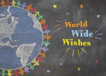 Kerstkaart met krijtbord achtergrond. Daarop een wereldbol met mensen, sterretjes en een kerstwens in verschillende kleuren krijt.