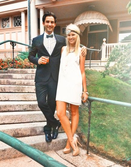 10 Cute DIY Couples Costumes For Halloween If we get engaged before Halloween we could dress up as a bride and groom on Halloween!
