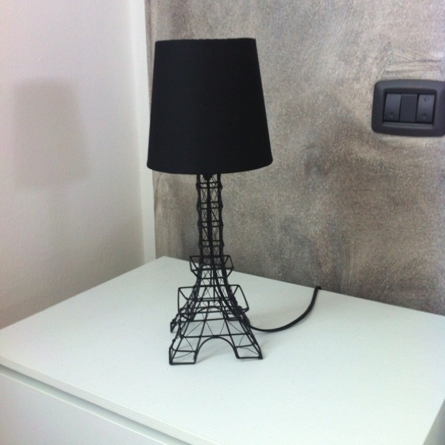 Eiffel Tower Bedroom Lamp (by Ovvio)