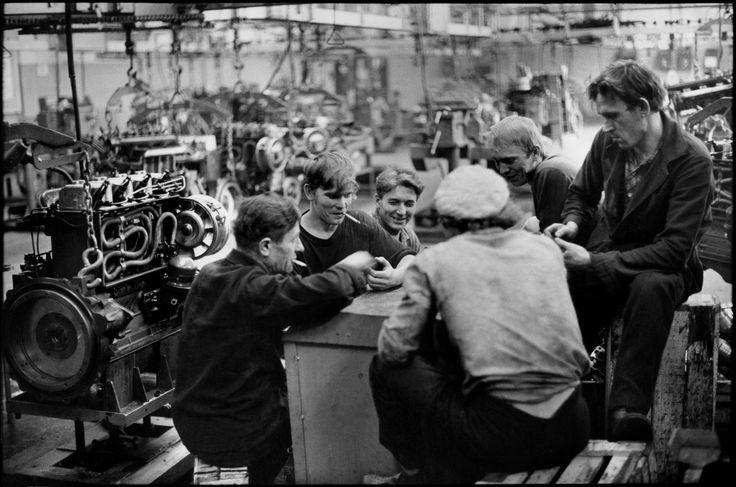 Henri Cartier-Bresson - USSR. Vladimir. 1972. Tractor factory.