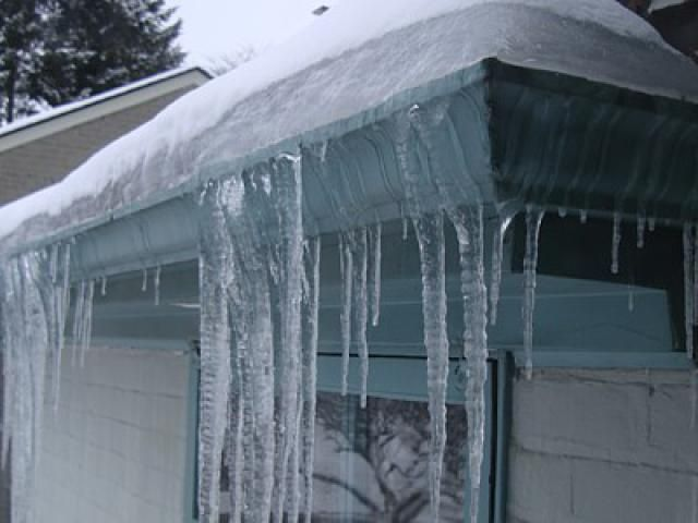 DYK that untreated ice dams can cause damage to your roof, gutters, insulation etc.? Learn how to prevent ice dams by clicking the image above. #StaySafe