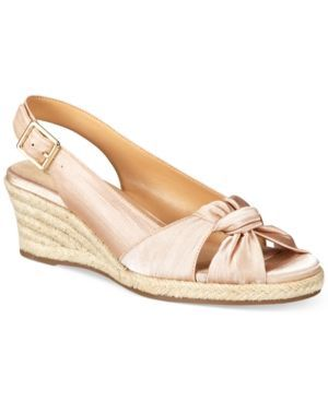 Bella Vita Seraphina Ii Sandals - Ivory/Cream 6.5WW