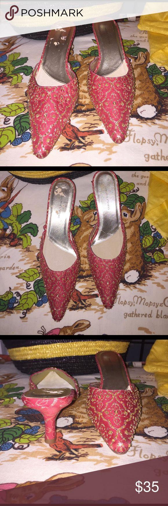 "NWT Valerie Stevens Coral & Gold sequin Slip On--S NWT Valerie Stevens Tile Coral and Gold Print with Gold Sequin Slip On.  Features a 2"" Heel sz 6 1/2m Valerie Stevens Shoes Mules & Clogs"