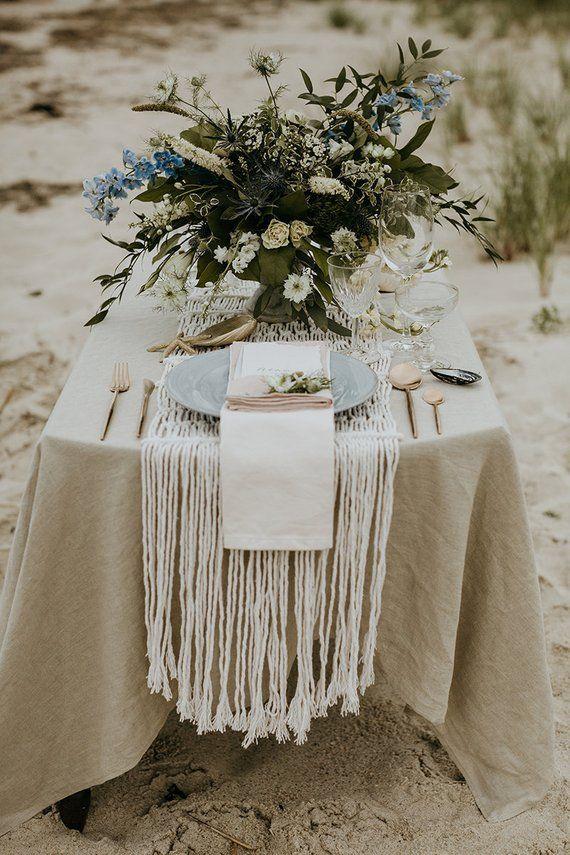 Grosse Tischdecke Fur Tabellen Breit Und Lang Erstellt Von Weiche Bettwasche Kundenspezifische Grossen Erhal Bridal Table Bridal Table Decorations Brides Table