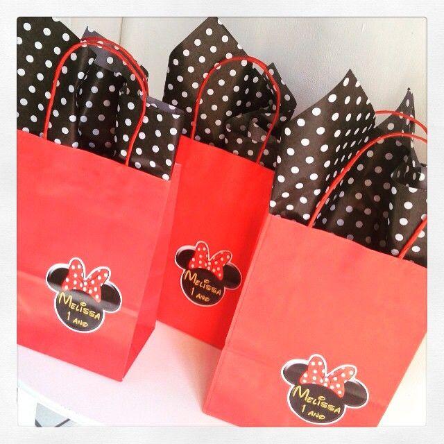 As sacolinhas também foram nossas! 1 aninho da Melissa!!! #Minnie #sacolinha #lembrancinha #personalizados #festamenina #kidsparty #ratchimbum #loja #novaodessa