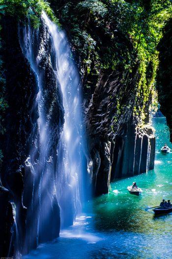高千穂峡は、貸しボートが利用できるので、本当に間近に大自然を感じることができるんです! マイナスイオンもきっとたっぷり浴びられるので、リフレッシュ効果も期待できますね。