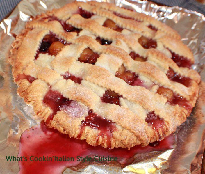 What's Cookin' Italian Style Cuisine: Fresh Rainier and Black Cherry Berry Pie Recipe