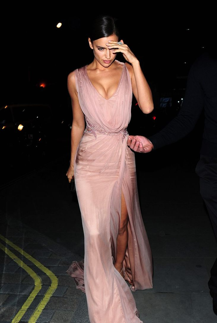the-chanel-charade:  thefashionellite:  daily–celebs:    5/26/15 - Irina Shayk out in London.     Beautiful