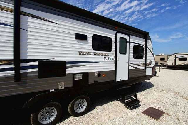 2016 New Heartland Trail Runner 26SLE Travel Trailer in Iowa IA.Recreational Vehicle, rv, 2016 Heartland Trail Runner , 26SLE Trail Runner affordable bunkhouse camper with a slideout, power awning and power front jack. An easy way to get camping. Iowa RV Dealer. For sale at Good Life RV., Furniture: 2 Bunk Beds, Booth Dinette, Jacknife Sofa, Mini Blinds, Queen Bed, Tub, Appliances: 2 20# LP Bottles, 2 Door Refrigerator, 3 Burner Range, 6 Gal. Gas Water Heater, ABS Tub/Shower Surround, AM/FM…