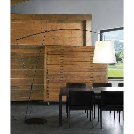 Carpyen lámpara de pie Robin.   Ambients iluminación te ofrece los mejores precios en primeras marcas de iluminación. Visítanos ! http://ambientsiluminacion.com/lamparas-pie/73-robin.html