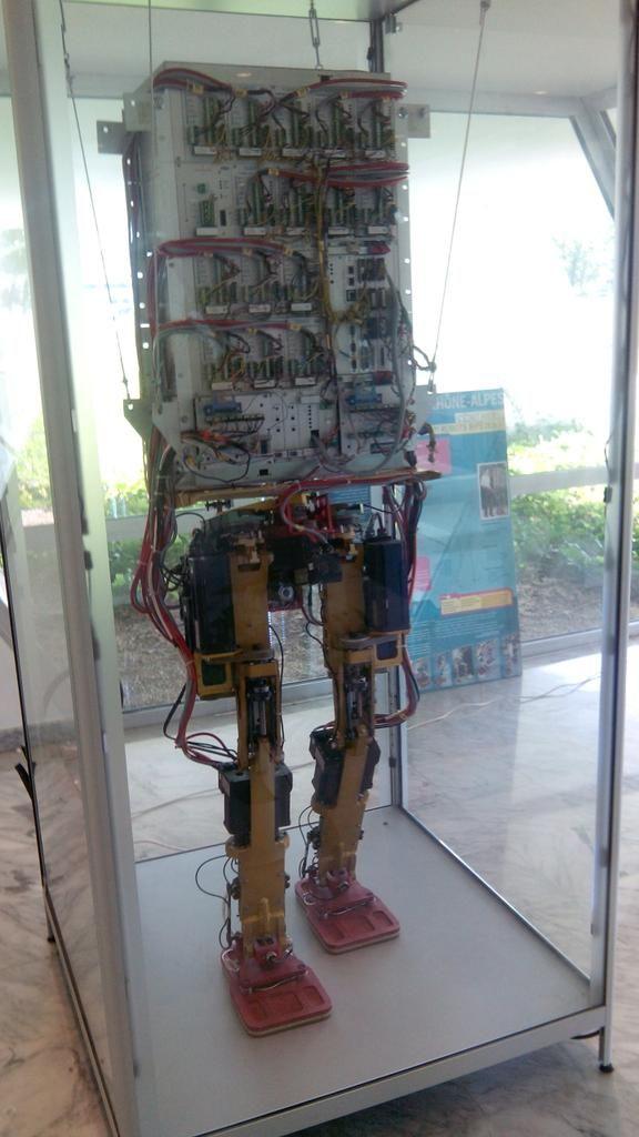 """Annecy French Tech sur Twitter : """"Avec @Thesame74 @CoboteamRA , la #FrenchTech @rhonealpes parcourt déjà les Alpes : Robotique à @inria_grenoble http://t.co/SO2miiNFMF"""""""