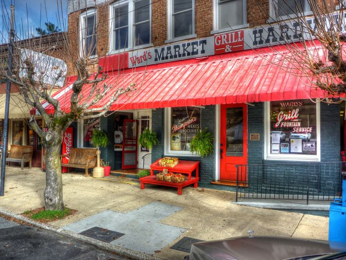 15 Small Towns In North Carolina Where Everyone Knows Your Name