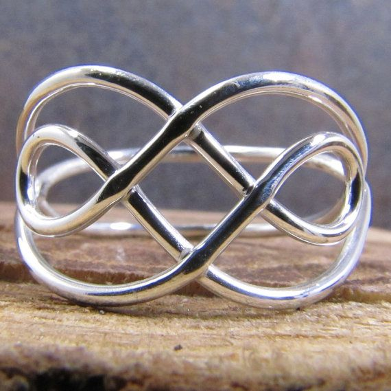 Keltische Knoten Ring Argentium Sterlingsilber von DogsKinJewelry, $27.00                                                                                                                                                      Mehr