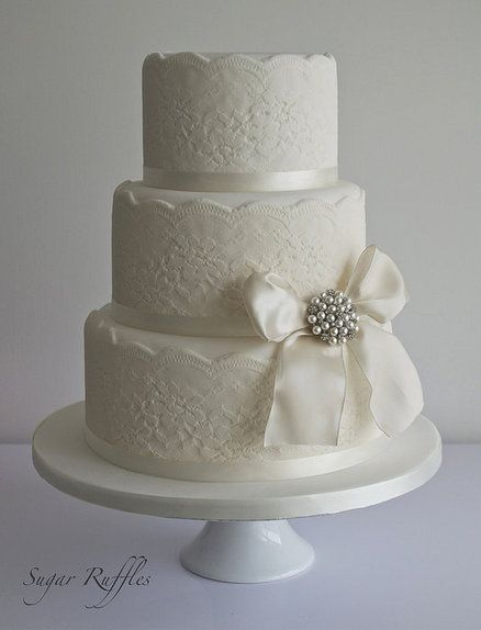 white lace wedding cake 25 best ideas about lace wedding cakes on 27296